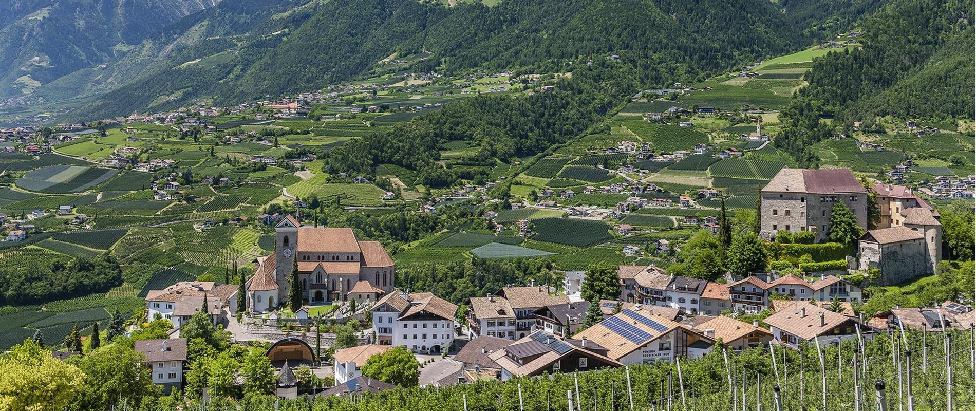 Directions and other Travel Services for Your Holiday in Scena near Merano