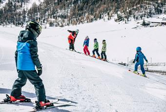Group ski course for children