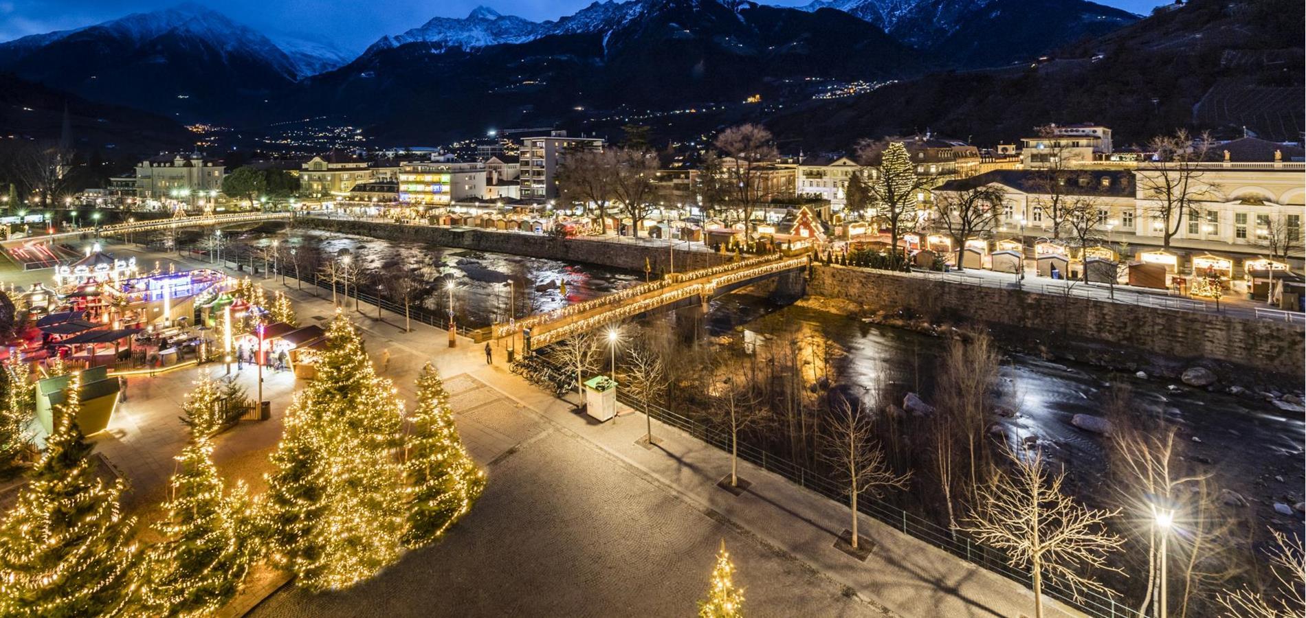 Mercatini Di Natale A Merano Foto.Mercatini Di Natale Merano