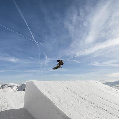 The Snowpark in the Meran 2000 ski area offers fun for snowboarders and freestylers