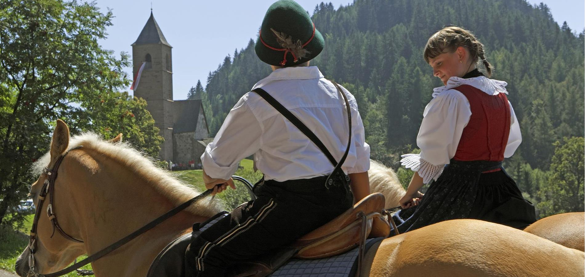 Horse-riding-Events-with-horses-Avelengo-Verano-Merano2000-fb