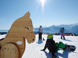 Family Weeks with ski school for kids | January & March