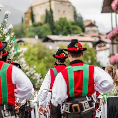 History and Tradition in Scena near Merano