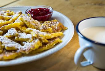 Kaiserschmarrn at the Hochmuth mountain inn