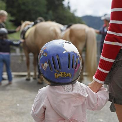 Horse-Riding-offers-for-children-Avelengo-Verano-Merano2000-fb
