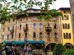 Traveling with Tisner Reisen: Trento with City Tour and Lake Kaltern