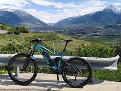 Guided electric mountain bike tour around Meran/Merano with spectacular views