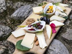 A delight for the senses - cheese, wine and spirits