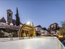 Ice skating rink in Scena